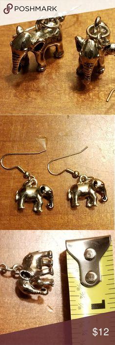 Elephant earrings 💕 Handmade.  Finley detailed 🍁🌿 Jewelry Earrings