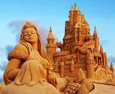 Wow. Pretty darned impressive sand sculpture!
