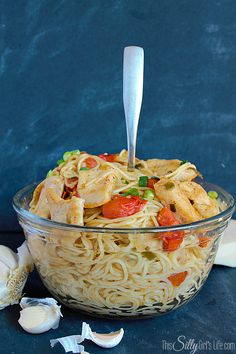 Blistered Tomato and Chicken Pasta, This would be a perfect dish to try out if you arent much of a cook. You would definitely impress your sweetie if you made this and served it for Valentines Day! Yummy Pasta Recipes, Chicken Pasta Recipes, Easy Dinner Recipes, Cooking Recipes, Nacho Recipes, Delicious Recipes, Dinner Ideas, Dinner Entrees, Quick Easy Meals