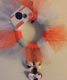 Diy House Projects, Projects To Try, Tutu Wreath, Star Wars Classroom, Disney Wreath, Homemade Wreaths, Star Wars Birthday, Disney Stuff, Disney Inspired