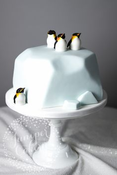 Penguin and glacier cake by Juniper Cakery