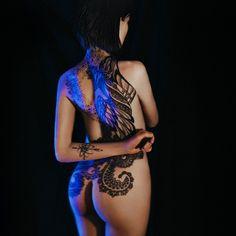 Девушка с татуировкой феникса #2  ______________________________________________________________  #tattoo #girl #nu #nude #fenix #artistfound #milliondollarvisuals #master_gallery #shotzdelight #gramslayers #eyecandy_collective #aGameofTones #amazing_fs #launchdsigns #thecreativeshots #gramslayers #way2ill #illgrammers #meistershots #createexplore #thecreatorclass #streetdreamsmag #vzcotone #huntgram #unfinishedlegacy #creativeunleashed #spectrelife #createcommune #moodygrams