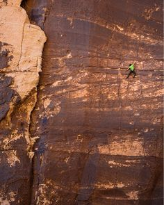 From @bradgobright | Soloing up Risky Business and down Dark Shadows offers a great nine pitch outing in a beautiful spot. Quality rock, aesthetic, exposed and fun! @dankrauss captured these amazing shots of me on pitch three of Risky Business. We roped up after I got down and climbed Excellent Adventure just to the right. @gramicci #climbing #climbing_pictures_of_instagram #sportclimbing #climbing_is_my_passion