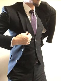 Male Clothes, Moda Formal, Pose Reference Photo, Daddy Aesthetic, Bad Boys, Mens Suits, Cool Outfits, Suit Jacket, Menswear