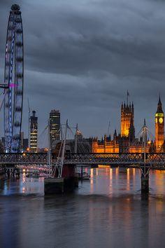 London, Waterloo Bridge by Panta Rei Photo
