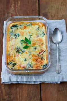Creamy salted clafoutis with swiss chards and parmesan cheese No Salt Recipes, Veggie Recipes, Healthy Recipes, Keto Recipes, Easy Diner, Happy Vegan, Best Food Ever, Healthy Cooking, Food Videos