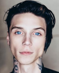DAAAANNNNGGG SON WHY ARE YOUR EYES THE COLOR OF THE SKY