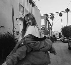 Model Poses Photography, Tumblr Photography, Girl Photo Poses, Girl Photos, Fake Photo, Black And White Aesthetic, Instagram Pose, Selfie Poses, Poses For Pictures
