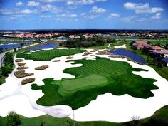 Florida has more golf courses than any other state. One of the best is the Arnold Palmer-designed Legacy Golf Course near Sarasota. Public Golf Courses, Best Golf Courses, Siesta Key Florida, Florida Golf, Sarasota Florida, Las Vegas Golf, St Andrews Golf, Augusta Golf, Golf Course Reviews