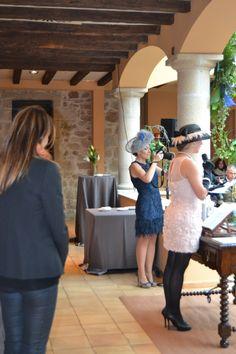 Una amiga de los novios dedica unas palabras de cariño a los futuros recién casados. #boda #ceremonia