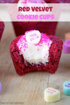 Red Velvet Cookie Cups Two in the Kitchen vi Jam Recipes, Cookie Recipes, Dessert Recipes, Cupcake Recipes, Finger Desserts, Summer Desserts, Sweet Desserts, Yummy Treats, Delicious Desserts