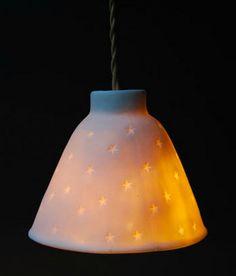 lampe Alix D. Porcelain Jewelry, Porcelain Ceramics, Painted Porcelain, China Porcelain, Chandelier Lamp, Modern Chandelier, All Of The Lights, Art Deco, Ceramic Techniques