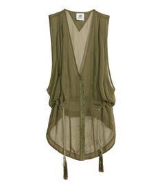 H&M Sleeveless chiffon blouse Look Fashion, Hijab Fashion, Fashion Dresses, Fashion Design, Fashion Trends, Chiffon Blouses, Chiffon Shirt, Sleeveless Blouse, Grunge Style