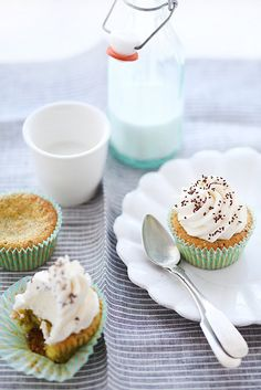 Lemon, pistachio and millet cupcakes