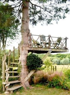 Outdoors Discover Who hasn& dreamed of having a tree house? What about this idea for an outdoor space? Outdoor Rooms, Outdoor Fun, Outdoor Gardens, Outdoor Living, Rustic Gardens, Outdoor Bathrooms, Outdoor Seating, Outdoor Bedroom, Kids Outdoor Play