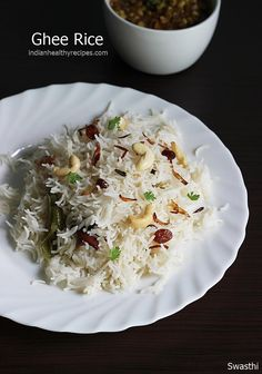 Ghee rice recipe with video - an easy to make delicious flavorful ghee rice with kurma or chicken curry from south indian cuisine with step by step pictures. Lunch Box Recipes, Lunch Snacks, Veg Recipes, Easy Dinner Recipes, Vegetarian Recipes, Chicken Recipes, Cooking Recipes, Healthy Recipes, Snack Box