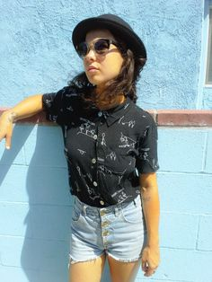 *SOLD* Vintage Early 1990'S Sketch Graphic Top MELROSE STUDIO 'Summer Ballet' Button Front Shirt Collar Mother Of Pearl 90's Rad Style! Size Small