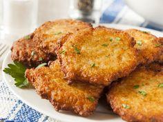 Placki ziemniaczane to doskonały pomysł na obiad. Sprawdzą się świetnie jako danie główne, ale także jako szybka przekąska. Możesz je przygotować nawet z obiadowych resztek!