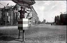 No lights on crossroad, old Bratislava Bratislava, Budapest Hungary, Socialism, Old City, Old Photos, Europe, Lights, Nostalgia, Times
