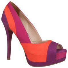 tendências em cores [sapatos]  Marca: Via Marte  Foto fornecida pela assessoria de imprensa da marca.