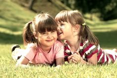 """A amizade existe para viver mais intensamente a vida."" [Epicuro]"