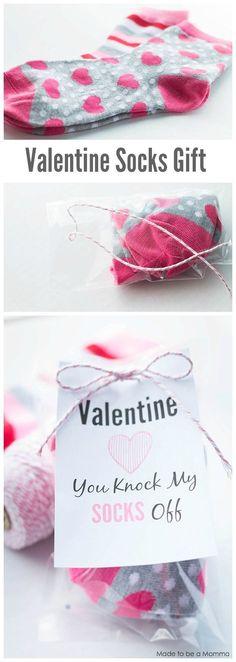Valentine Socks Gift Idea. Get the free printable at madetobeamomma.com! | DIY Valentine's Day Gift