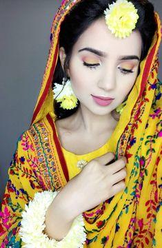 Tiny Pics, Hijab Makeup, Walima Dress, Wedding Mehndi Designs, Classy Suits, Haldi Ceremony, Bridal Decorations, Ceremony Dresses, Dress Indian Style