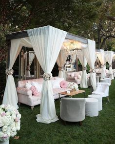 """What better way is there to start off 2018 than appreciating the best from 2017? Here are our top 10 posts from last year! Number 2: An outdoor cabana area to spice up your big day? Yes please! Elegant and sophisticated at the same time! Photography @john_solano_photography   Coordination & Design @soniasharmaevents   Decor & Rentals @revelryeventdesign   Florals @hiddengardenflowers   Location @hotelbelair   Videography @impressivecreations   Event design & production @soniasharmaevents""""…"""