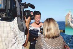 Olga Parra entrevistada por TV3 en el Pleinair Festival.