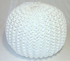 Free knitted pouf pattern. Made out of t-shirt yarn!