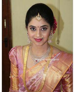 Wedding Saree Blouse Designs, Blouse Designs Silk, Saree Wedding, Bridal Sarees South Indian, Indian Bridal, Saree Jewellery, Bridal Jewellery, Gold Earrings Designs, Necklace Designs