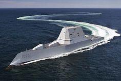 米海軍の最新鋭ミサイル駆逐艦ズムウォルト(DDG1000)は、全長186メートル、最大幅24.6メートル、満載排水量1…