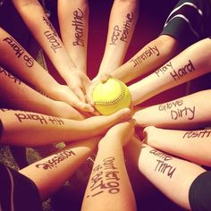 Live . Dream . Softball: Photo...I need to do this with Alyssa's SB team!
