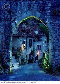 Beautiful village, Saint Cirq Lapopie, France