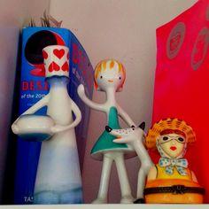 Porcelain friends Snowman, Porcelain, Flat, Christmas Ornaments, Disney Characters, Friends, Holiday Decor, Home Decor, Xmas Ornaments
