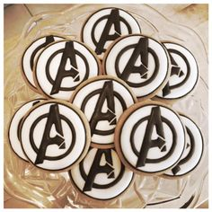 Palets with pine nuts - HQ Recipes Pastel Avengers, Superhero Cookies, Comida Disney, Avenger Cake, Disney Cookies, Royal Icing Cookies, Sugar Cookies, Avengers Birthday, Cookie Time
