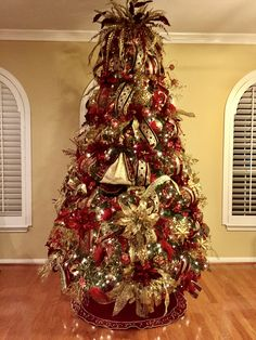Burgundy And Gold Christmas Tree Ideas Www Silkscapesindiana Com