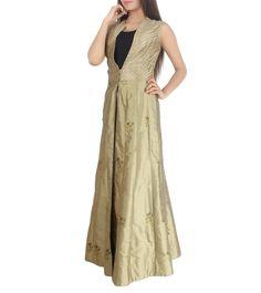 Product details Colour: Beige  Fabric: Silk & Net Type Of  Work: Embroidered  View 4 #jalwanidhi #nidhikejriwal #asiandesignerweek #fashionshow #jalwa #fashiondesigner #fashion #fashionstyle #follow4updates #womenfashion #fashionlover #fashiongeek #designernew #newcollection #staywithus