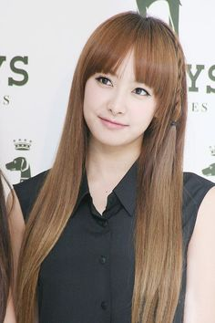 Name: Qian Song Stagename: Victoria Member of: F(x) Birthdate: 02.02.1987