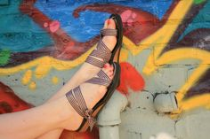 Low Wedge Thong MOPED by Mohop Handmade Vegan Shoes por mohop