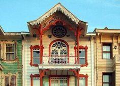 του Istanbul, Cabin, Mansions, House Styles, Home Decor, Eye, Food, Decoration Home, Manor Houses