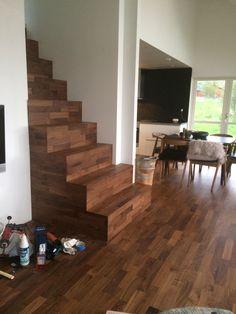 ..og slik ble den Den, Stairs, Home Decor, Ladders, Homemade Home Decor, Stairway, Staircases, Decoration Home, Stairways