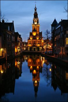 Night reflections in the canals of Alkmaar, Netherlands (by Stathis Chionidis )