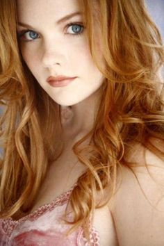 beautiful girls 17 If looks could kill... (33 photos)