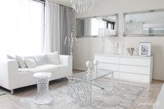 White&Silver Livingroom
