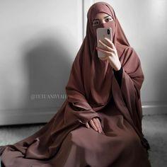 Niqab Fashion, Modest Fashion Hijab, Fashion Outfits, Hijabi Girl, Girl Hijab, Hijab Outfit, Hijab Dress, Stylish Hijab, Hijab Chic