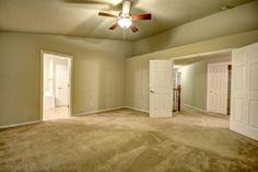 Master bedroom. #RealEstateForSale #ForSaleRealEstate #HomesForSale #Ridgefield #RidgefieldWA #RidgefieldHomesForSale #RidgefieldWARealEstate #RealEstate #Washington #FrontDoorRealty #Auction #AuctionProperty