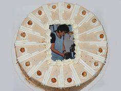 Tabler Torten. Leckere Foto-Torte aus Nusscreme mit Haselnussverzierung.