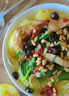 Greek-Style Spaghetti Squash with Chicken, Spinach, Kalamata Olives, and Sun-Dried Tomatoes #glutenfree #healthy #dinner #recipe
