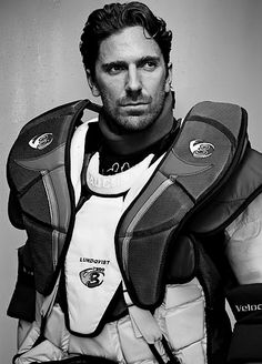 Henrik Lundqvist - who makes goalie pads look that good?  C'mon.